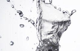 Mineralwaser-Glas 2